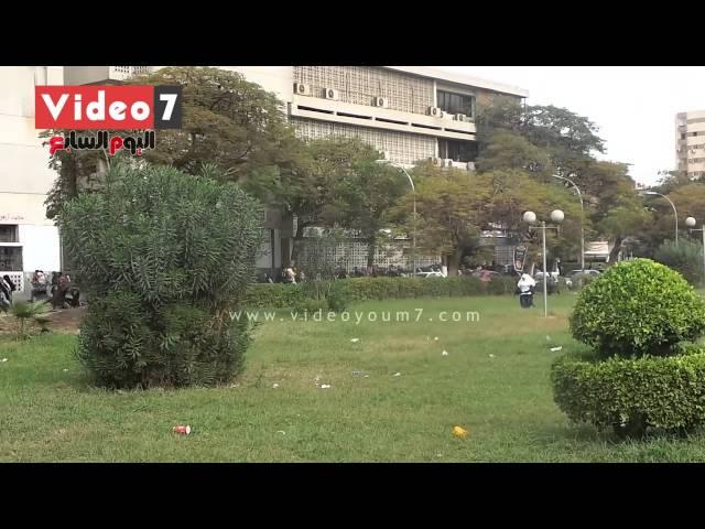 بالفيديو.. هروب طلاب الإخوان بجامعة عين شمس بعد إطلاق الأمن الأعيرة الصوتية