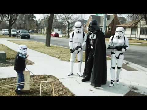 Thumb Star Wars Characters in a Kesha Tik Tok Parody