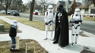 Personajes de Star Wars parodiando a Tik Tok de Kesha