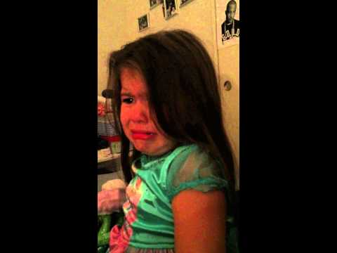 4-Year-Old Get's Upset When She Finds Out Bruno Mars Has A Girlfriend