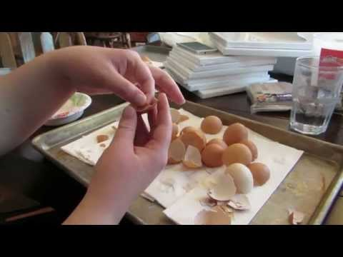 How To Peel The Skin Out Of An Eggshell video