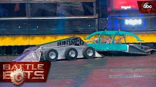 Chrome Fly vs. Bronco - BattleBots