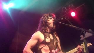 Steel Panther perform Poison with Rikki Rockett