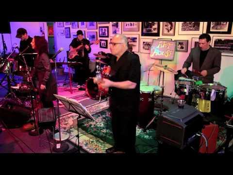 Ray Obiedo&Mistura Fina feat, Sandy Cressman @ ArtHouse 2_18_11.m4v
