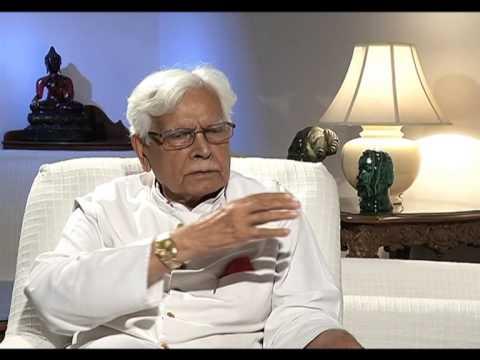 Natwar Singh calls Former PM Manmohan Singh a 'Chamcha' of Sonia Gandhi. segment 02