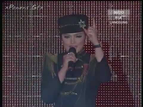 Siti Nurhaliza - Falling In Love (live) video
