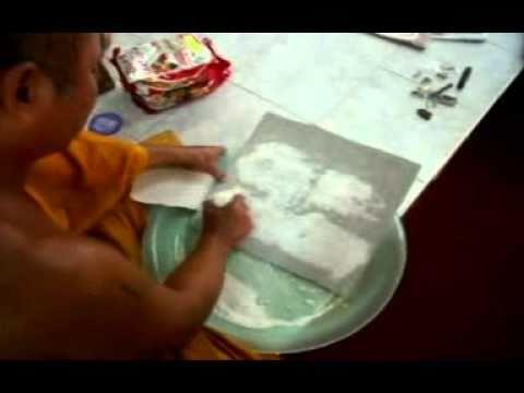 The making of Khun Pean (Early stage) - 泰国佛牌坤平将军制造过程 (初期) - 16092010