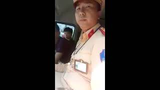 CSGT Vân Đồn, Quảng Ninh, chưa đáp ứng đủ yêu cầu của tài xế,  ko cho xem giấy tờ, rút chìa khóa xe
