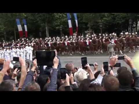 Bastille Day : François Hollande hué et sifflé sur les Champs Elysées. Paris/France -14 Juillet 2016