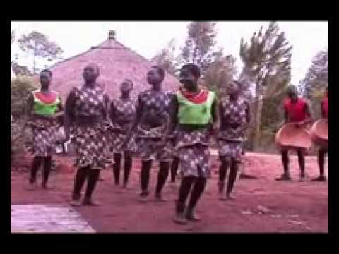 Luo Traditional Dancers (Susana's Wedding) - acholinetwork.com