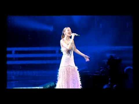 Kylie Minogue - Dreams (live)