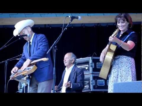 Junior Brown - My Hillbilly Hula Gal.MOV