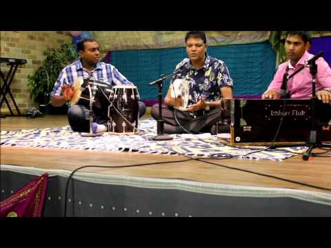 Tujhe Suraj Kahoon Ya Chanda... video