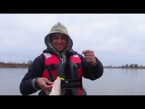 рыбалка на волге в селитренном в апреле видео