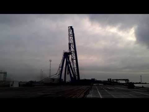 Port of Felixstowe - Landguard Terminal Quay Crane 1 Deconstruction