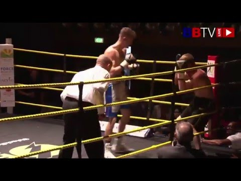Matthew Ryan vs Mick Mills - Live from Manchester