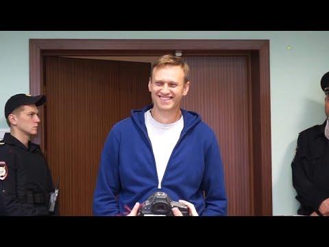 Навальный в спецприемнике, обращение Андрея Звягинцева, обыски в штабах | NEWS 06.10.2017
