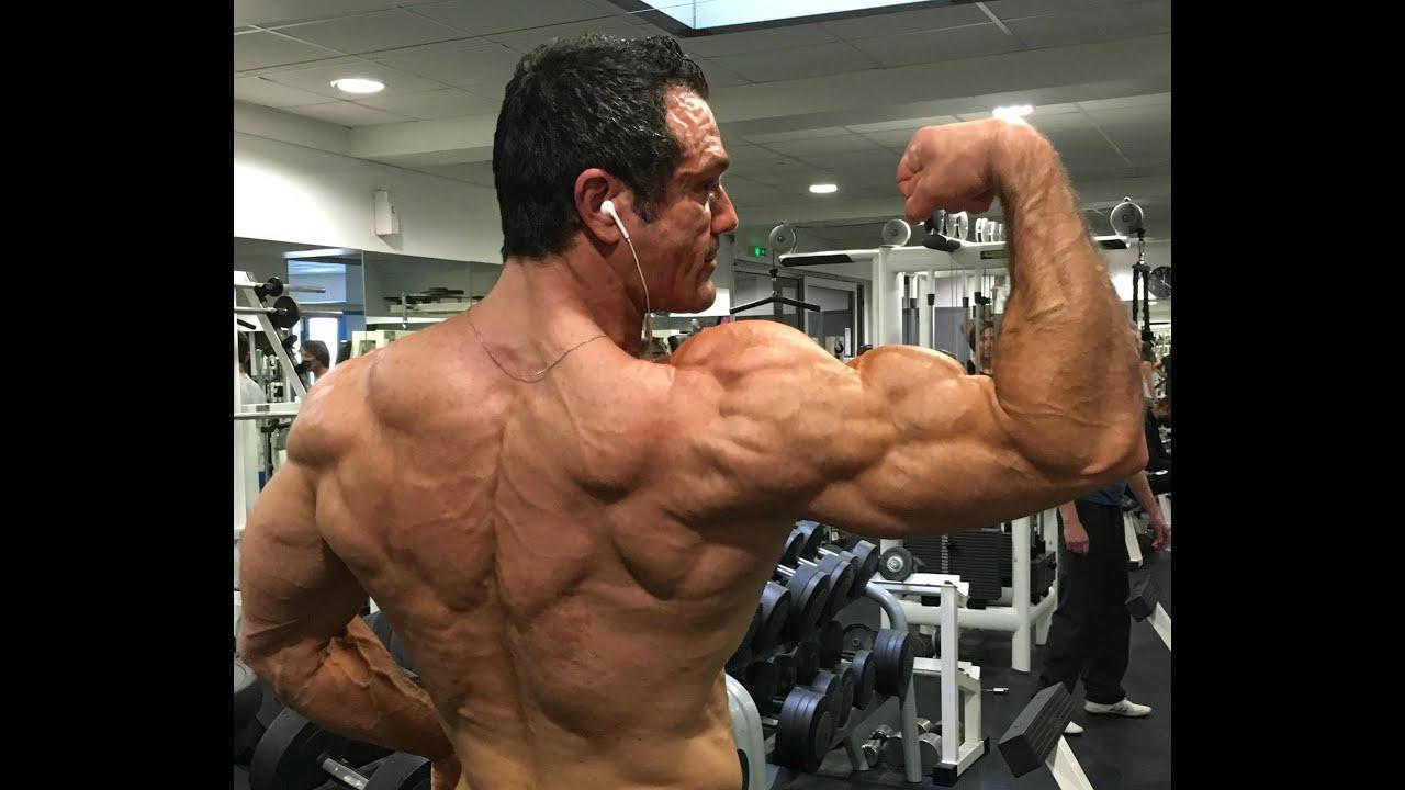 Musculation: séance prise de masse épaules en biset. - YouTube
