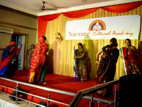 Navrang Talent Show - Oonche Neeche Hai Dagaria video