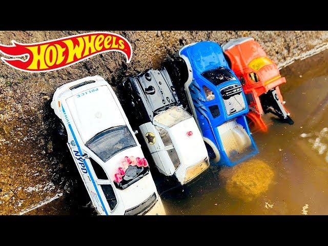 Coches PolicГas para NiГos Rescatados en el Agua - Autos de Carreras de Juguetes