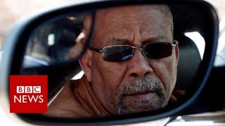 The music legend who drives a taxi - BBC News