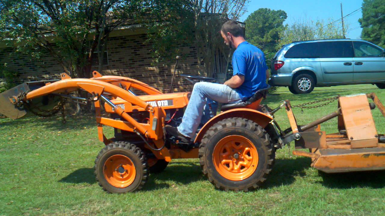 Kubota B6000 with loader for sale. - YouTube