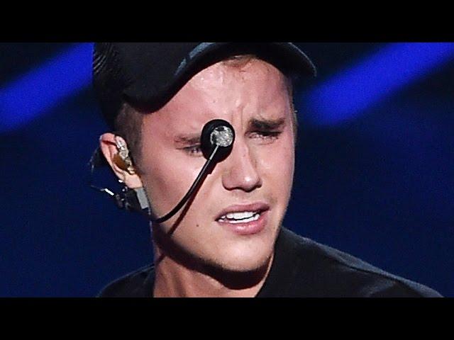 Justin Bieber Breaks Down In Tears MTV VMAs 2015