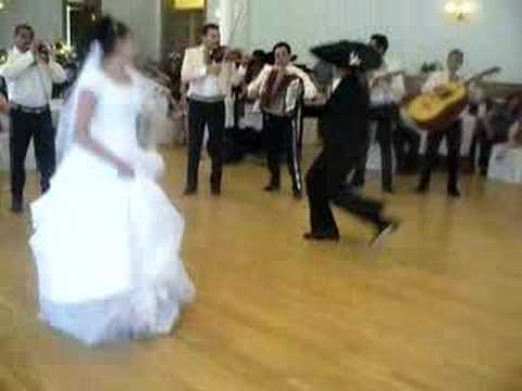 Wedding dance Jarabe Tapatio