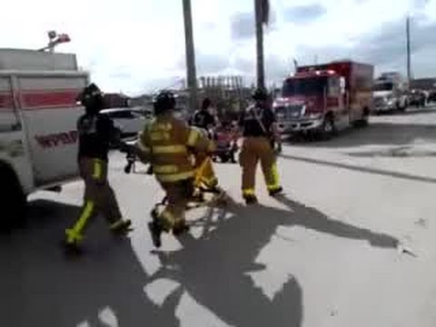 Worker falls off of ladder at Palm Beach Outlets