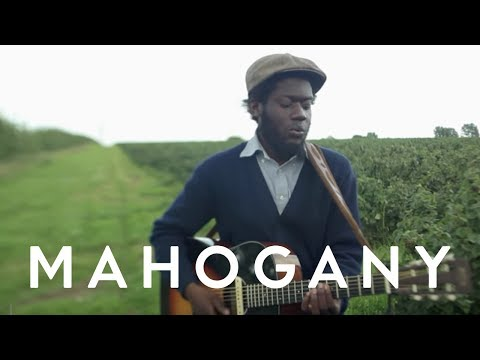 Michael Kiwanuka - Tell Me A Tale // Mahogany Session