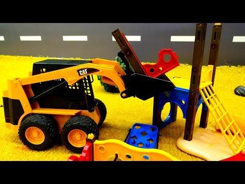 Видео для мальчиков - Игрушечные машинки - Строим детскую площадку