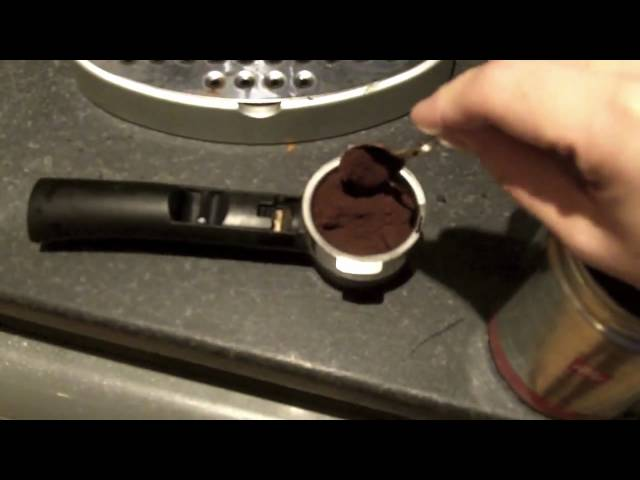 How to make a cappuccino with the DeLonghi EC330