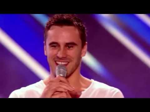 X Factor, безумно мылый чувак, очаровал зрителей и жюри