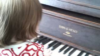 Molly and the piano