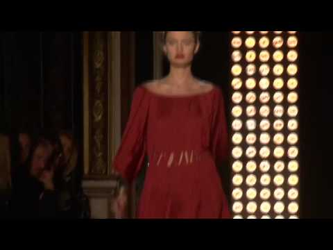 Sophia Kokosalaki AW10-11 - Videofashion Daily Video
