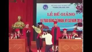 Xôn xao clip: Nữ sinh viên được cầu hôn trong lễ tốt nghiệp