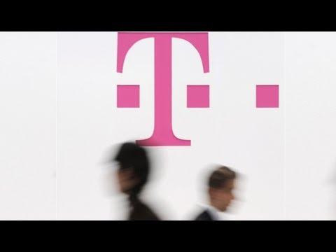 T-Mobile Asks FCC to Deny Verizon Spectrum Buy