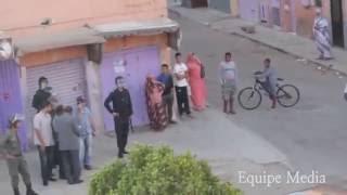 فيديو لتعنيف طفل قاصر من طرف شرطة الإحتلال المغربي بزيها المدني بشارع طانطان بالعيون المحتلة