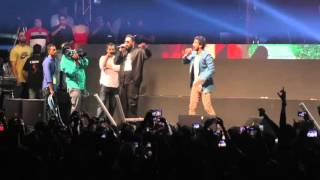 Sunny leone Performs Live with Badshah