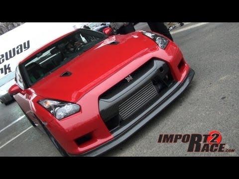 RED GT-R vs Corvette drag race