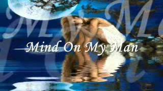 Watch Carly Simon Mind On My Man video