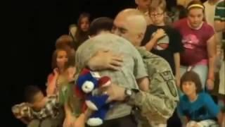 Soldado, vuelve a casa / Soldiers return home