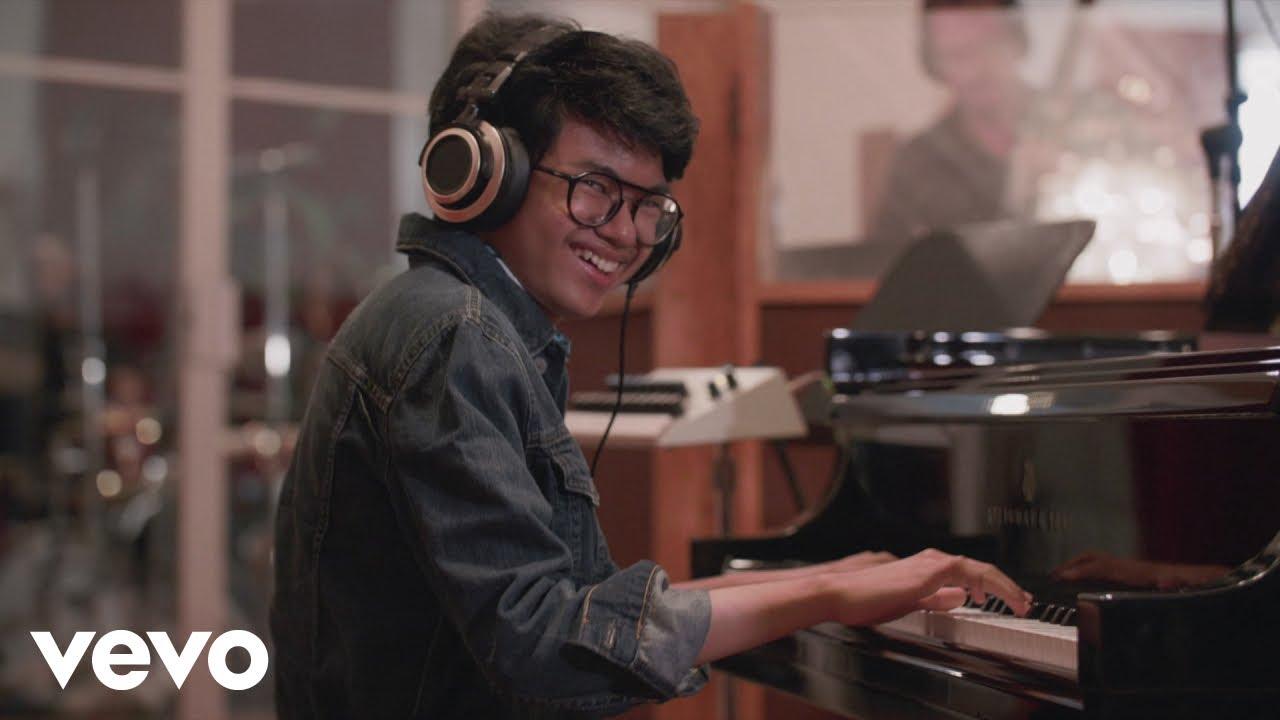 "Joey Alexander - ""Warna""のMVを公開 新譜アルバム「Warna」2020年2月5日発売予定 メンバーはLarry Grenadier(b), Kendrick Scott(dr) thm Music info Clip"