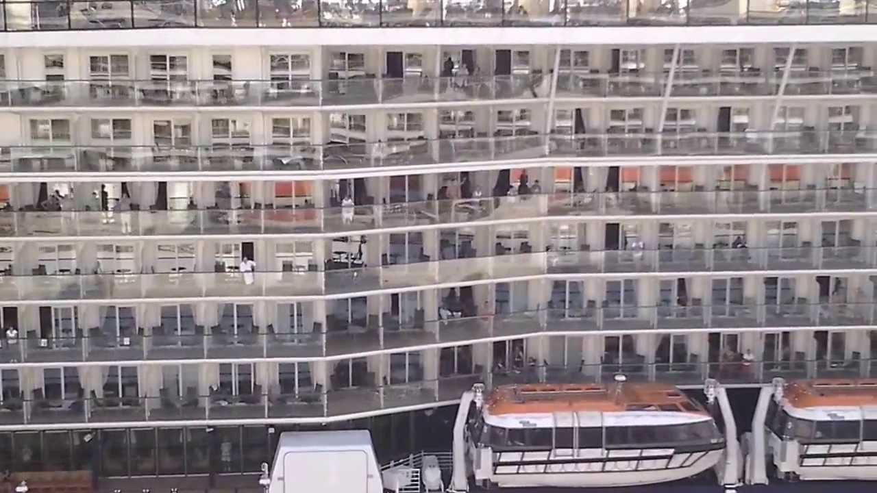 La nave da crociera piu grande del mondo youtube for La villa piu grande del mondo