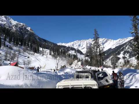 Long Traffic jam at Solang Valley Rope way Snowfall, Manali, Himachal Pradesh, India