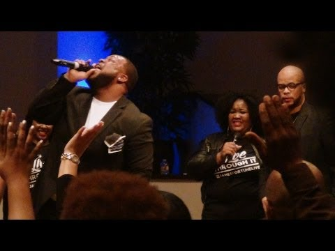 Zacardi Cortez taking us in(James Fortune CD Release Concert) NEW!