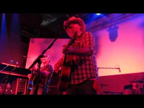Wayne Mills Band  Simple Man ( Lynard Skynard Cover) video