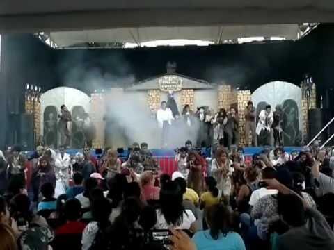 Imitador de Michael Jackson en la Feria de Chapultepec Terror Experience Invasion Zombie