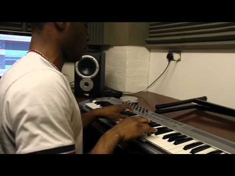 Live Your Life - Erick Morillo&Eddie Thoneick feat Shawnee Taylor (Piano Freestyle)