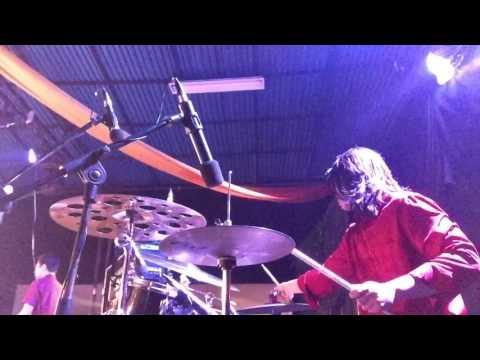 Engkaulah perisaiku - Lingkupiku ( Asmirandah , Jonas Rivano, Jason Chang) Drum cam - Live